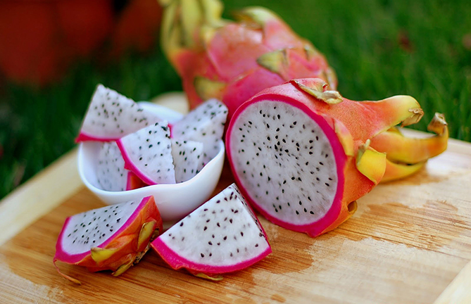 Weird fruit Pitaya - Dragon fruit