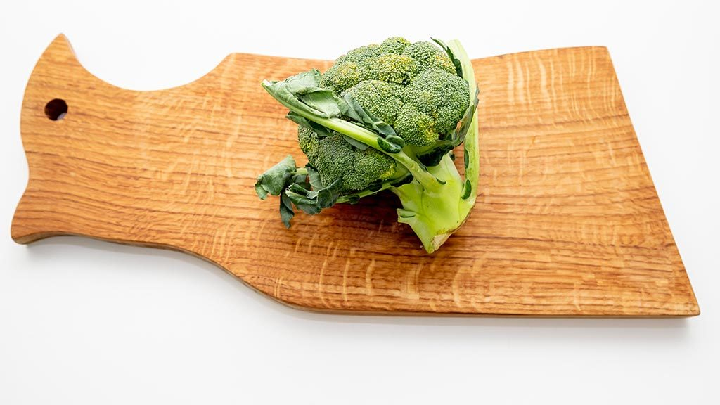 Best Cutting Boards For Your Kitchen (Wooden, Plastic and Glass Cutting Boards)