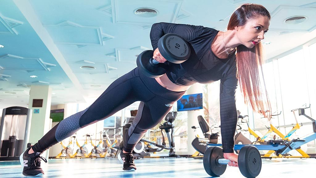 When Can Potential Weightlifting Injuries Happen (And How to Reduce the Risk)