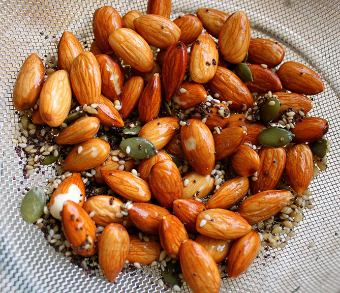 Why And How To Soak Raw Nuts And Seeds?